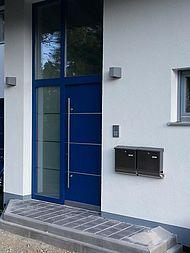 Eingangstür: Mehrfamilienhaus Gröbenzell